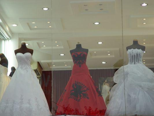 albanische kleider