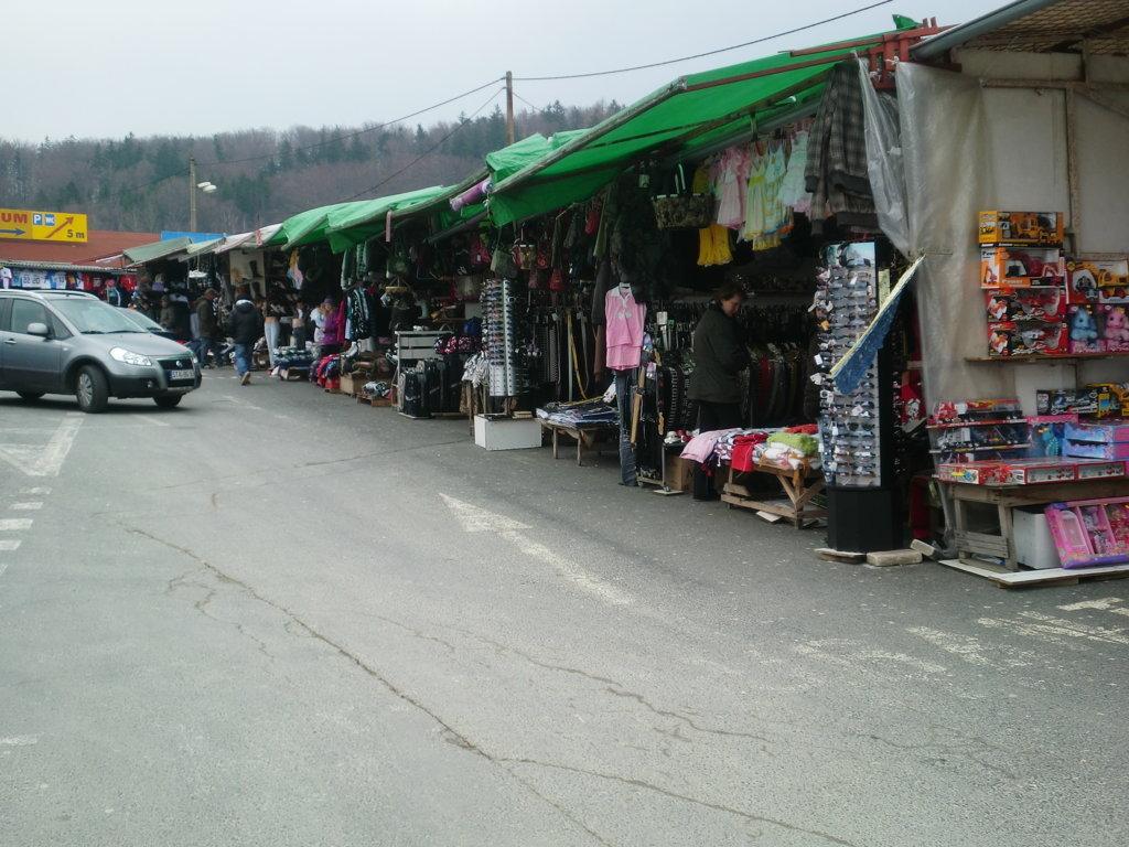 Vietnamesen-Märkte - Einkaufen, tanken, Zigaretten